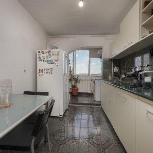 Apartament 4 camere Pantelimon Obor Biserica Capra Fantanica