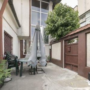 Apartament 2 camere, curte proprie 30 mp, Dacia - Toamnei